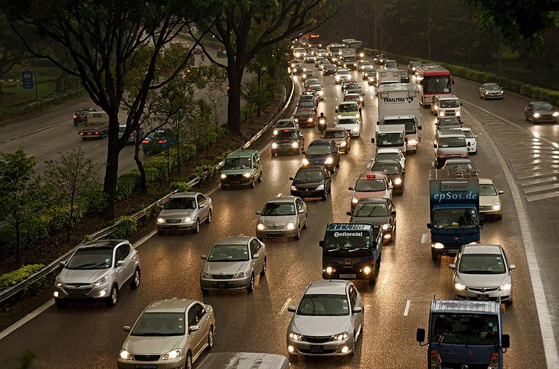800px-traffic_congestion_near_the_national_university_hospital_singapore_-_20110405